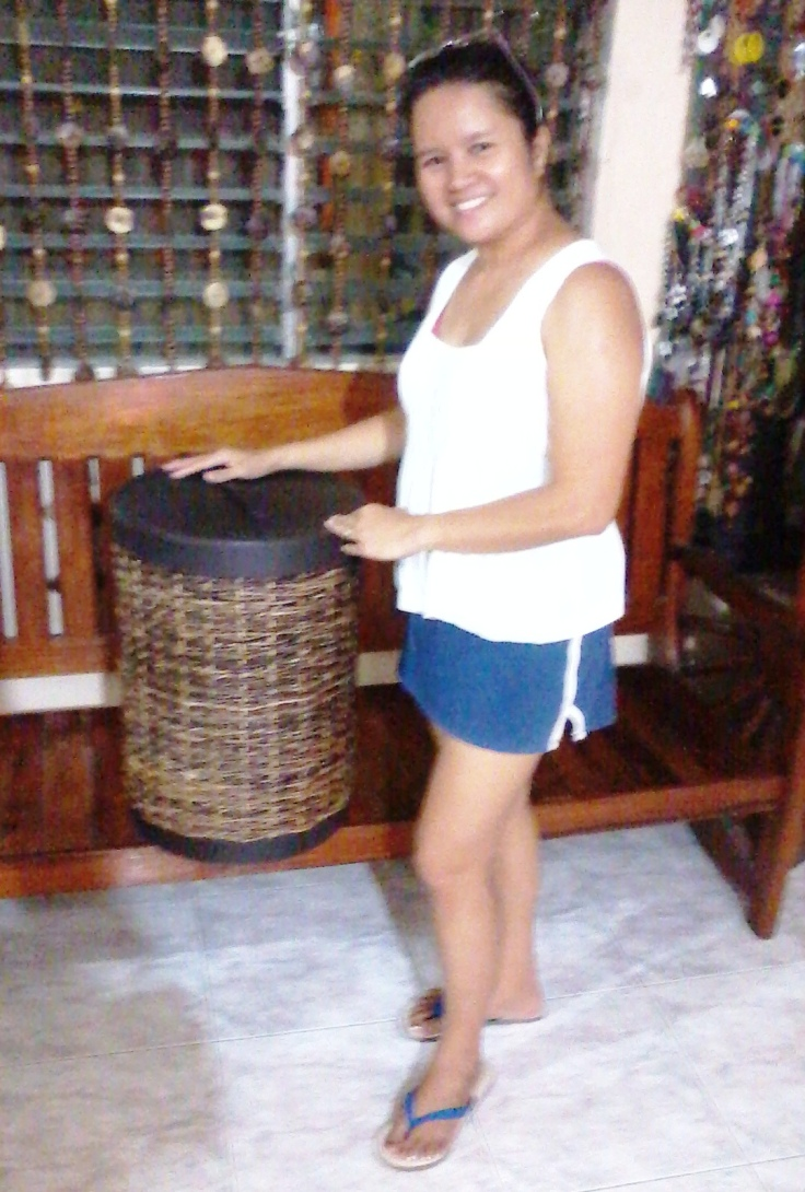 proud model of aim handicrafts'  hamper...hahahaha