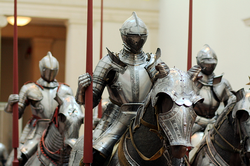 image source: https://www.ancient.eu/article/1244/the-armour-of-an-english-medieval-knight/